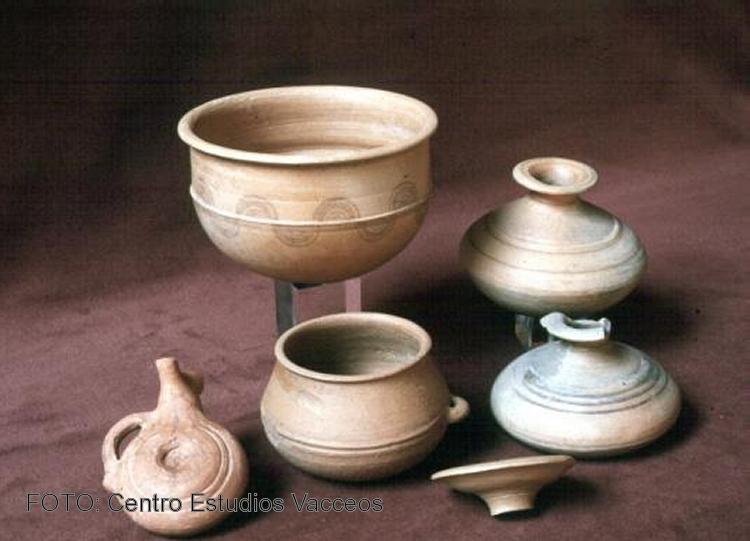 Recreaci n de algunas de las piezas de cer mica de la for Ceramicas para piezas